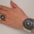 Multaka Volunteer Rachida hand with silver bracelet and rings 2