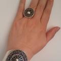 Multaka Volunteer Rachida hand with silver bracelet and rings 1