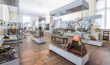 Upper gallery 234