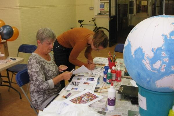 Renaissance Globe Event at Museum of Oxford: preparing the globe