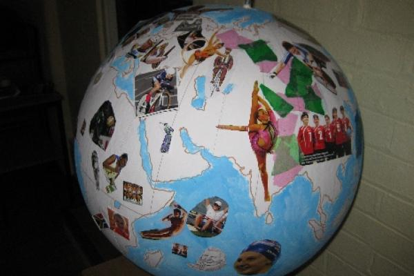 Renaissance Globe Project: Museum of Oxford completed globe
