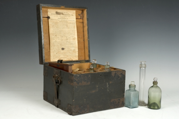 61498 Lewis Carroll Charles Dodgson Photographic Equipment.png