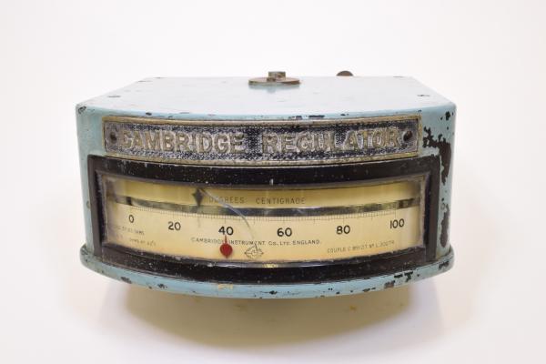 Cambridge Regulator with Meter Measuring Heat. Object inventory number 10836.