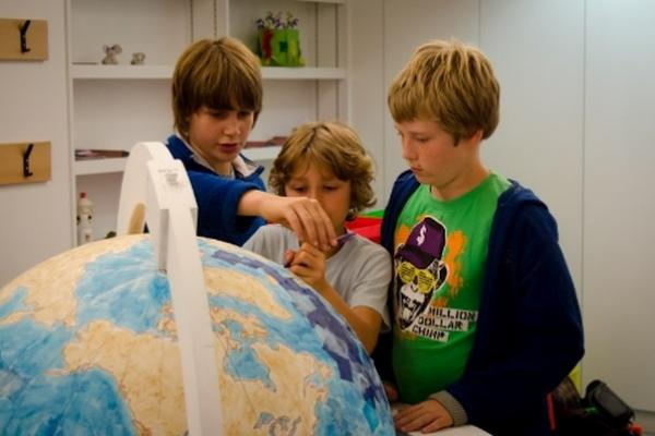 Renaissance Globe Event at the Ashmolean: a family-friendly drop-in: wood, leather & lacquer 1
