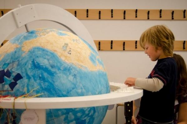 Renaissance Globe Event at the Ashmolean: a family-friendly drop-in: wood, leather & lacquer 6