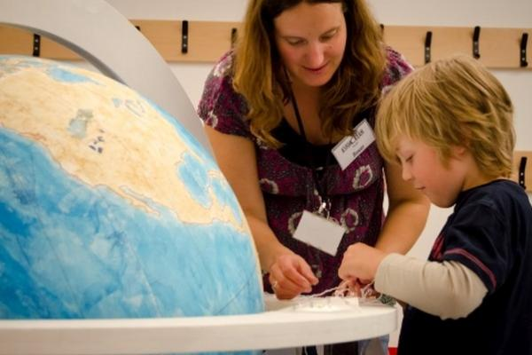 Renaissance Globe Event at the Ashmolean: a family-friendly drop-in: wood, leather & lacquer 7