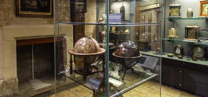 Basement gallery globes 219