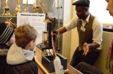 Demonstrating a model Newcomen steam pump